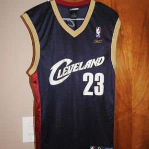Lebron James Cleveland Cavs Mens Jersey Size Small